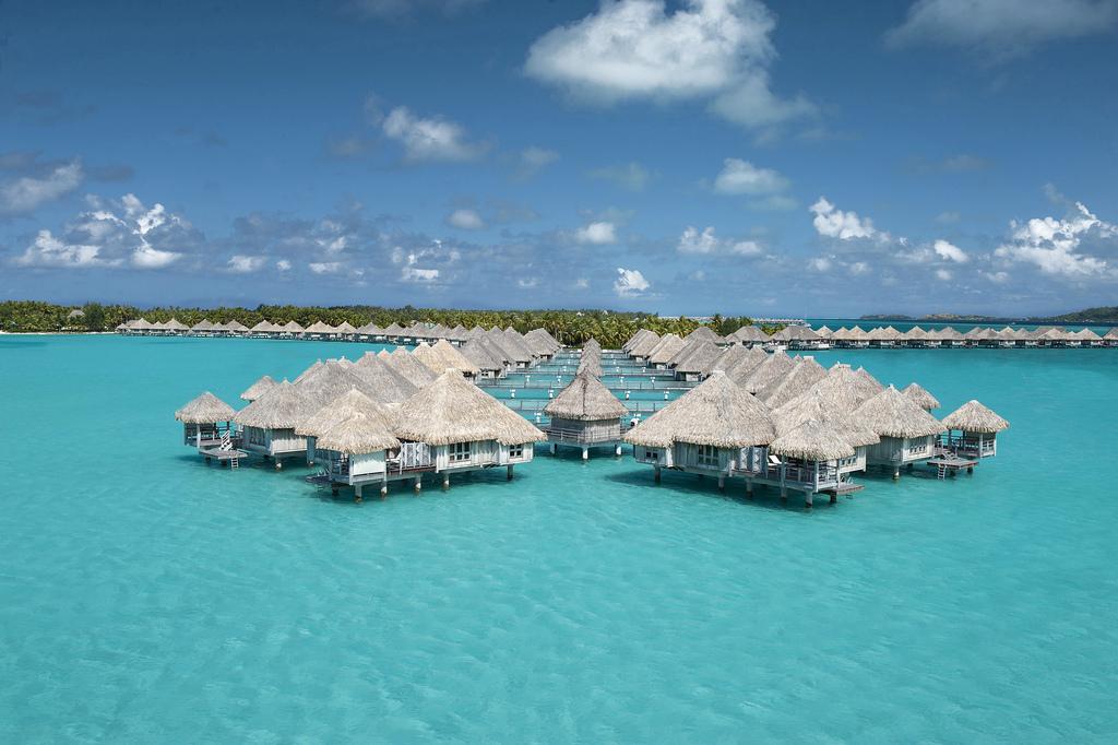 St. Regis Resort полинезия
